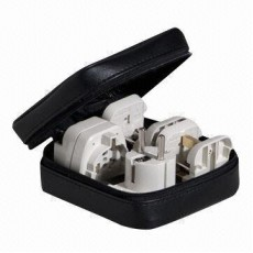 Cestovní-adaptér- Wonpro All-in-One Universal Travel Adapter